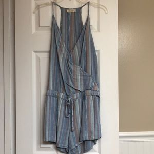 Linen striped romper with pockets
